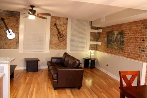 French Quarter Luxury Two-Bedroom Suite 201 Photo