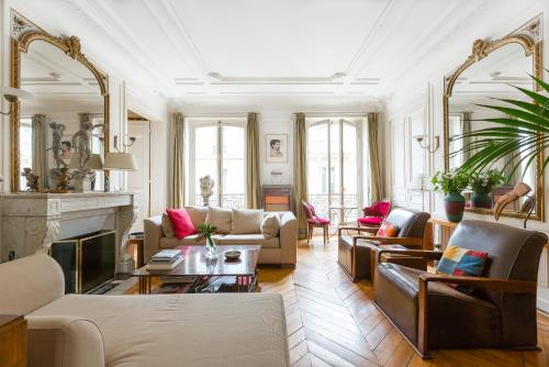 Апартаменты «onefinestay - Montmartre-South Pigalle private homes», Париж