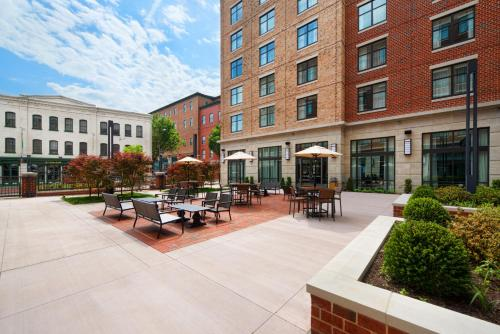Courtyard by Marriott Richmond Downtown Photo