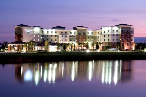Homewood Suites Port Saint Lucie-Tradition Photo