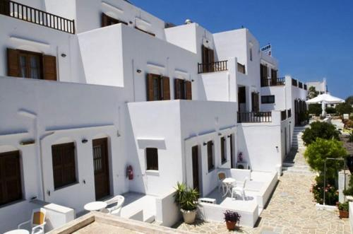 Kiki Hotel - Kamares Greece