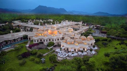 India's Best Hotels for Celebrity Sightings