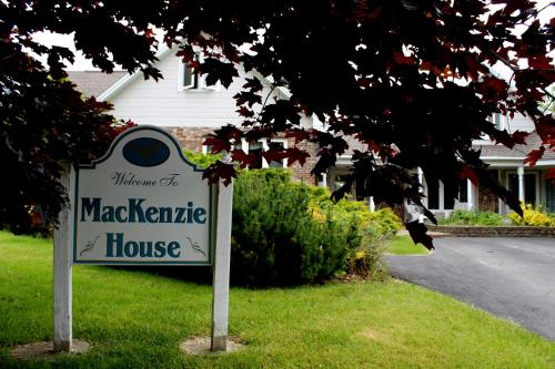MacKenzie House Tourist Home B&B Photo