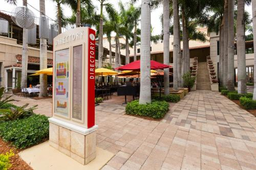 Pelican Residences in Coral Gables - Walk to Merrick Park Photo