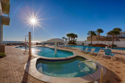 Majestic Beach Towers Resort by Panhandle Getaways Photo