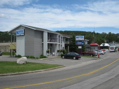 Motel de l'Anse a l'Eau Photo
