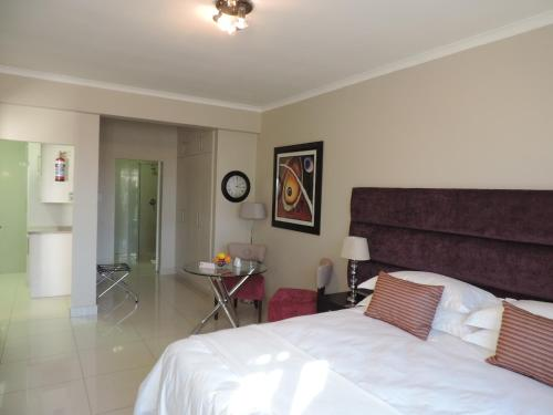 Vredenburg Boutique Lodge Photo