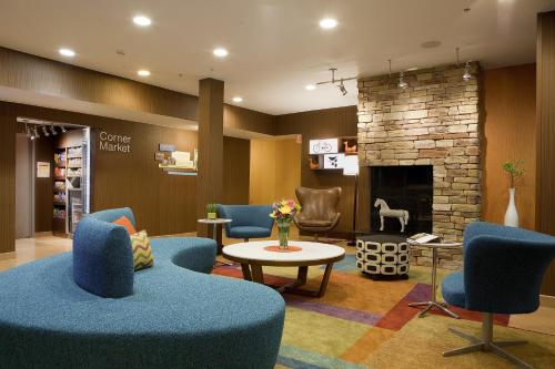 Fairfield Inn and Suites by Marriott Cincinnati Eastgate Photo