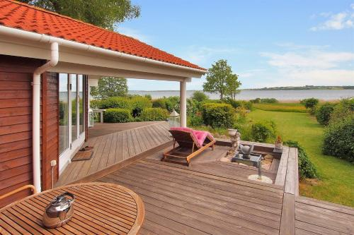 Three-Bedroom Holiday Home Strandly 01, Grevinge