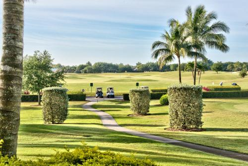 Solterra Golf Condo at the Lely Resort Photo
