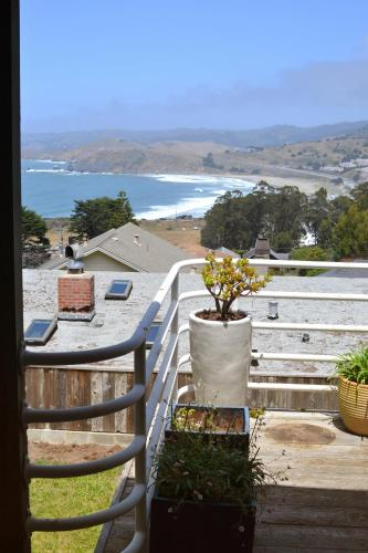 Huge House Overlooking the Beach - Pacifica, CA 94044