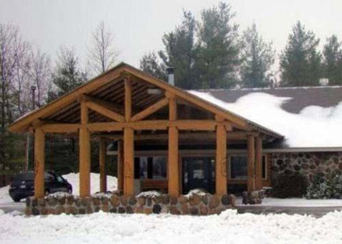 The Pinewood Lodge Photo