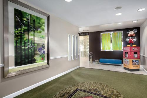 Hilton Garden Inn Anaheim/Garden Grove Photo