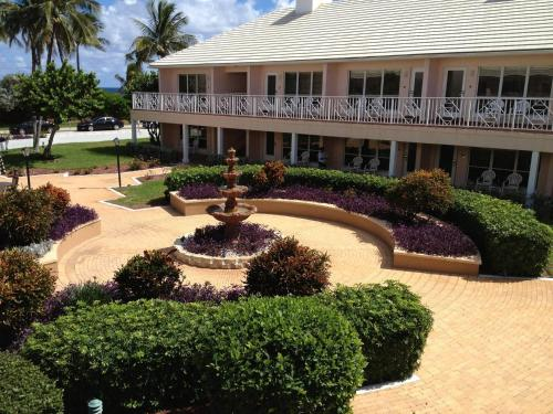 GetAways at Dover House Resort