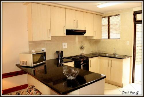 Flamingo Holiday Apartments Photo