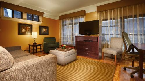 Best Western Plus Hospitality House Suites photo 36