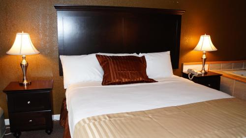 Americas Best Value Inn & Suites Kansas City Photo