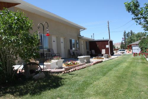 Bybee's Steppingstone Motel Photo