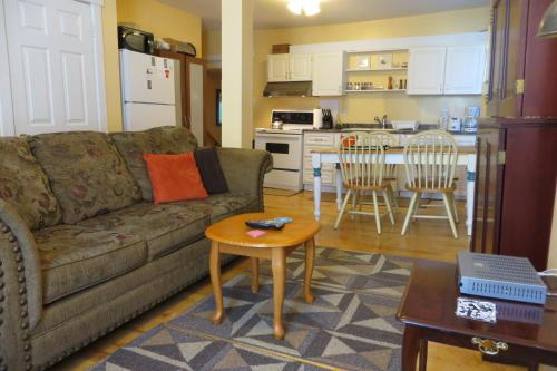 Pleasant Street Suites Photo