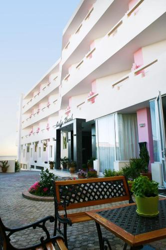 Evelyn Beach Hotel - A. Kanakaki & 25th Martiou Greece