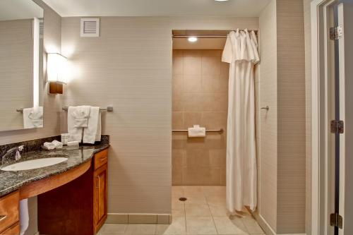 Homewood Suites by Hilton Omaha - Downtown Photo