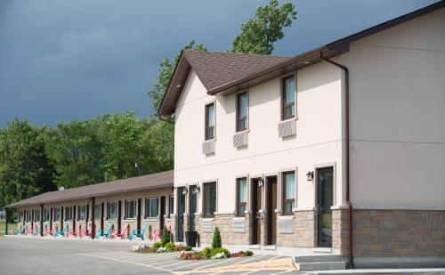 Masterson's Motel Photo