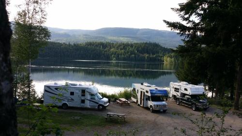 Dutch Lake Motel and RV Campground Photo