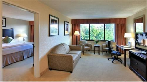 Best Western Plus Rockville Photo