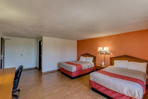 Motel 6 Albert Lea Photo