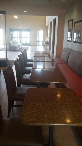 Best Western Plus Atrium Inn & Suites Photo