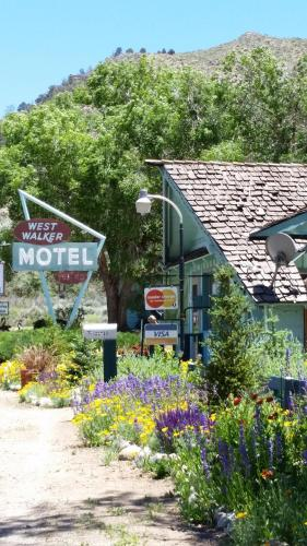 West Walker Motel Photo