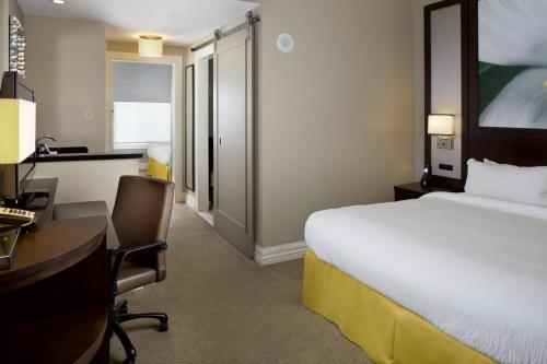 Courtyard By Marriott New Orleans French Quarter/iberville photo