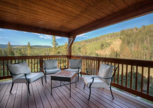 Wild Skies Cabin Rentals Photo