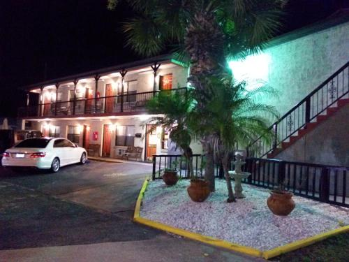 Merida Inn & Suites Photo