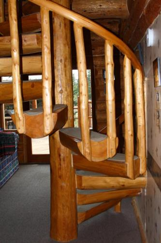 Wise Old Hunter Lodge - Anchor Point, AK 99556