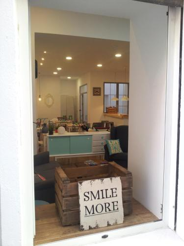 Hotel Smile & Co Hostal Boutique thumb-3