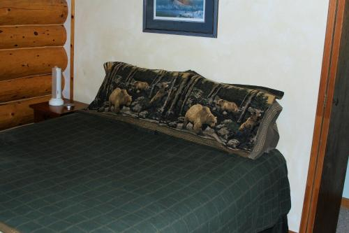 Bear Den Vacation Home Photo