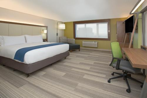 Holiday Inn Express & Suites Pahrump Photo
