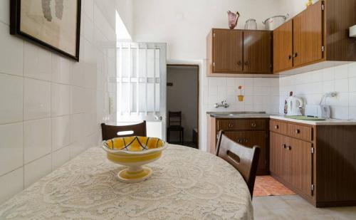 holidays algarve vacations Paderne Cottage in Paderne
