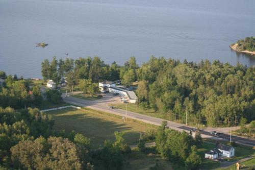 Edgewater Motel and Campground Photo