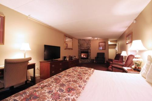Fireside Inn & Suites West Lebanon Photo