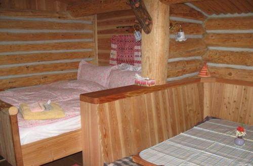 Rocky Mountain Log Chalet Photo
