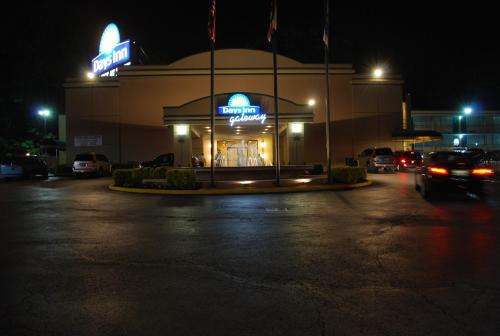 Photo of Days Inn Gateway Hotel Bed and Breakfast Accommodation in Washington DC
