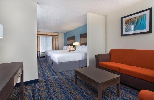 Holiday Inn Express Berea Photo