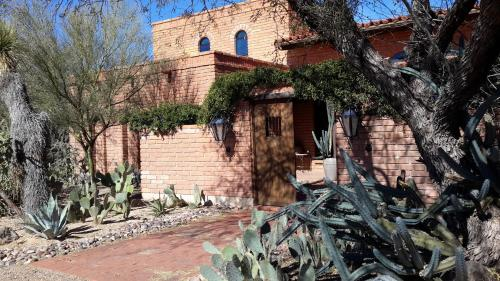 Desert Trails Bed & Breakfast Photo