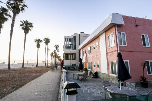 Venice on the Beach Hotel Photo