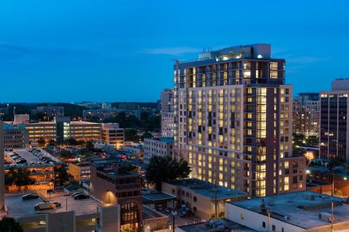 Global Luxury Suites at Woodmont Triangle North Photo