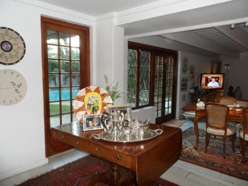 Nupen Manor Bed and Breakfast Photo