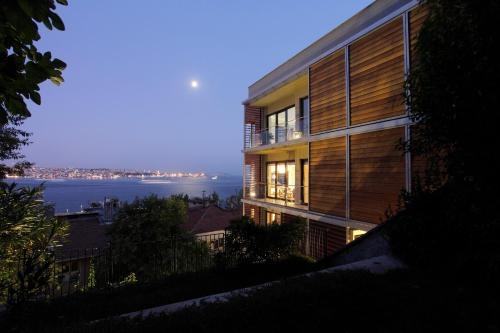 Deris Bosphorus Lodge