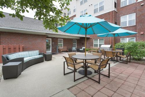 Residence Inn Louisville Northeast Photo